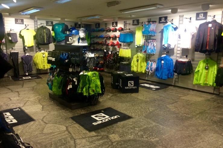 Salomon Pro Shop i underetasjen hos Platou Sport i Bergen sentrum